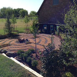 Photo of an eclectic landscaping in Oklahoma City.