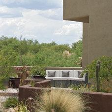 Southwestern Landscape by Prideaux Design