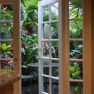 Photo of a tropical landscaping in Atlanta.