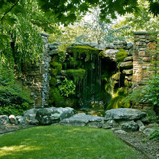 Traditional Landscape by MESA Landscape Architects, Inc