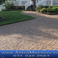 Traditional Landscape by Astro Masonry