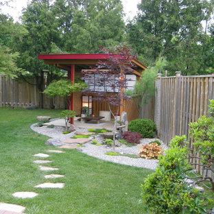 Asiatischer Garten hinter dem Haus in Toronto
