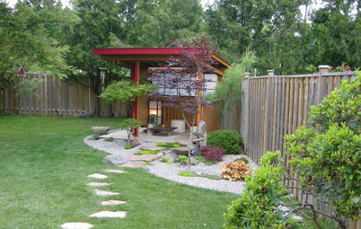 12 Ways to Make Better Use of Yard Corners