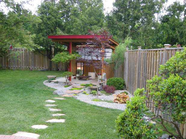 12 ways to make better use of yard corners for Garden pond design books