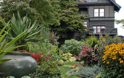 How to Help Your Home Fit Into the Landscape