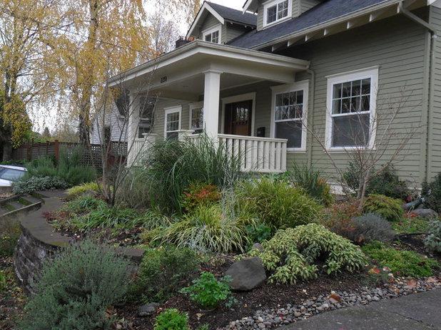 Arts & Crafts Garden by Plan-it Earth Design