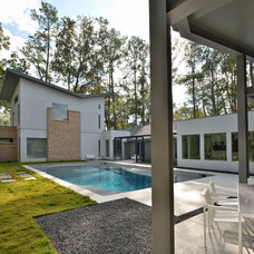 Modern Landscape by GOODCHILD BUILDERS INC
