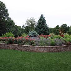 Traditional Landscape by Arcadia Gardens, LLC