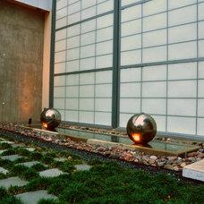 Modern Landscape by Intexure Architects