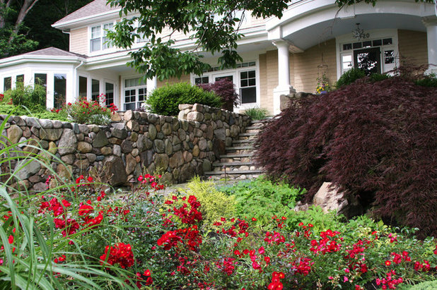 Traditional Garden by Amy Martin Landscape Design