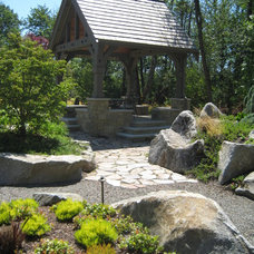 Traditional Landscape by Earthscape Design Group