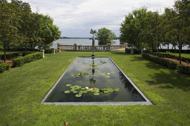 American Traditional Garden by John Kraemer & Sons