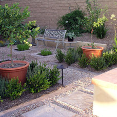 Traditional Landscape by Studio H Landscape Architecture