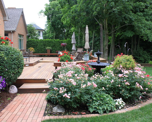 Beautiful Photo Of A Traditional Landscaping In Grand Rapids With Decking.