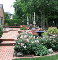 traditional landscape by Arcadia Gardens, LLC