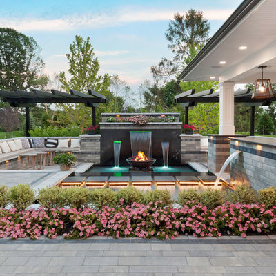 Inspiration for a transitional water fountain landscape in Newark.