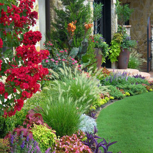 Design Ideas For A Traditional Full Sun Front Yard Landscaping In Oklahoma City Summer
