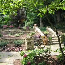 Traditional Landscape by Hawkins Landscape Architecture