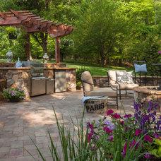 Traditional Landscape by Southern Landscape Group, Inc.