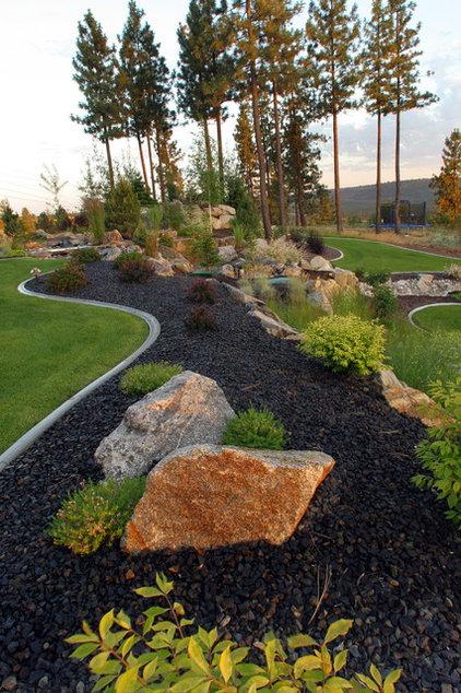 Contemporary Landscape by Alderwood Landscape Architecture and Construction
