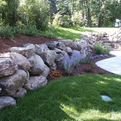 traditional landscape by ARNOLD Masonry and Concrete