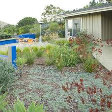 Contemporary Landscape by Jeffrey Gordon Smith Landscape Architecture