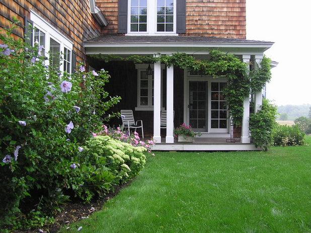 Victorian Landscape by Woodburn & Company Landscape Architecture, LLC
