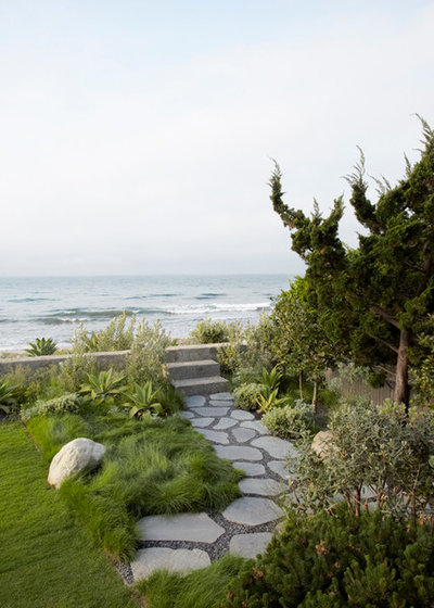 Beach Style Landscape by CB Paint and Decor, Inc.