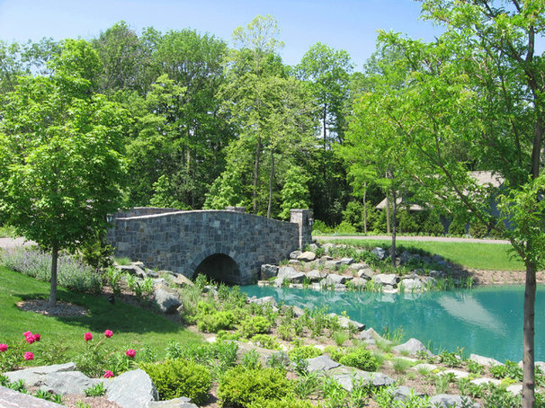 Traditional Landscape by Wade Weissmann Architecture