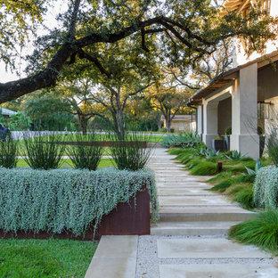 Пример оригинального дизайна: участок и сад среднего размера в средиземноморском стиле