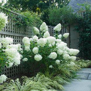 Modelo de jardín clásico con adoquines de piedra natural