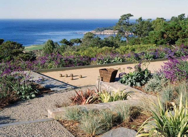 Contemporary Landscape by Ron Herman Landscape Architect