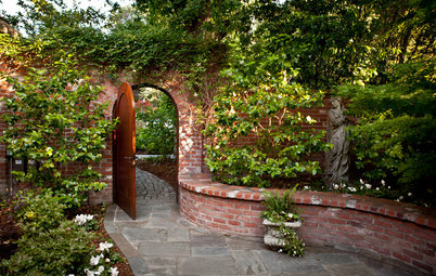 10 Ways to Create a Romantic Garden