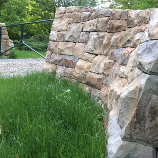 Design ideas for a traditional landscaping in Other.