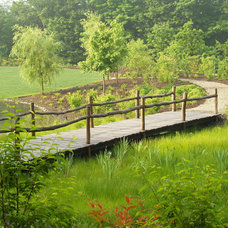 Traditional Landscape by TERRIGENOUS Landscape Architecture