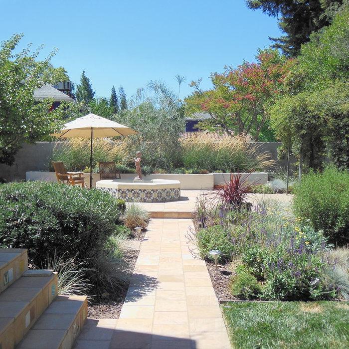 Sacramento Mediterranean Garden-Back Yard