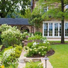 Traditional Landscape by Anne Decker Architects, LLC