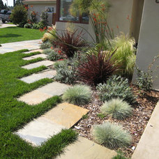 Contemporary Landscape by GFG Landscaping, Inc. (Geared for Growth)