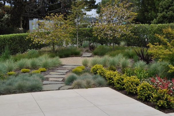 Contemporary Landscape by Huettl Landscape Architecture