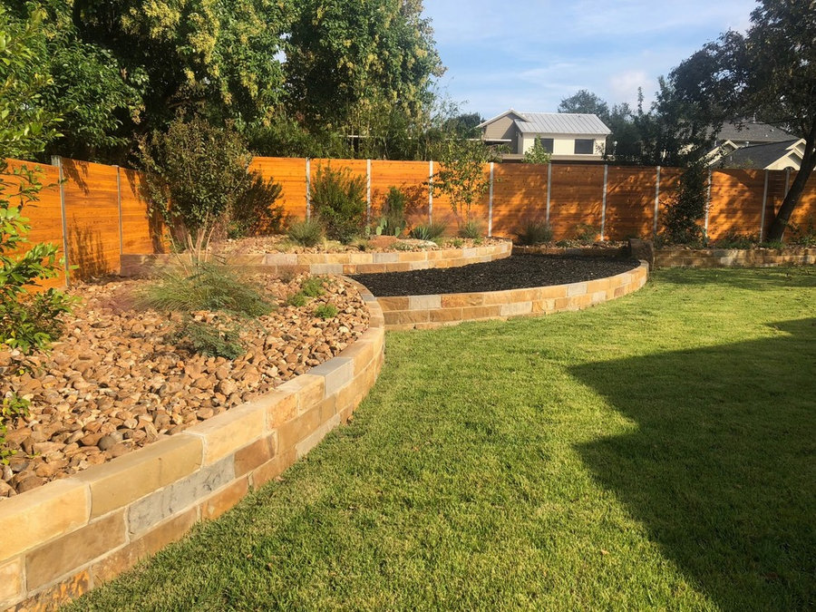 Sandstone tiered beds w/ Colorado River Rock & Mulch, New Palisades Zoysia Sod
