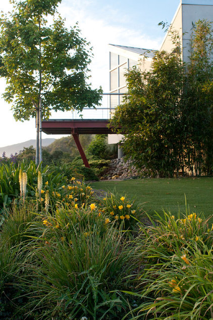 Contemporary Landscape by Design Focus Int'l Landscape Architecture & Build