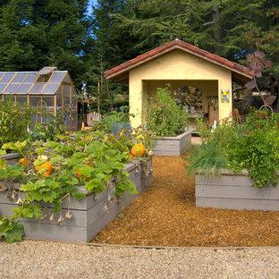 Новые идеи обустройства дома: огород на участке в средиземноморском стиле
