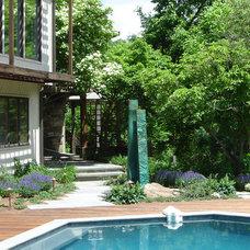 Contemporary Landscape by Slater Associates Landscape Architects