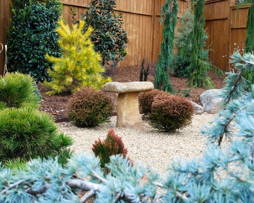 Beautiful Design Ideas For A Contemporary Landscaping In Charlotte.