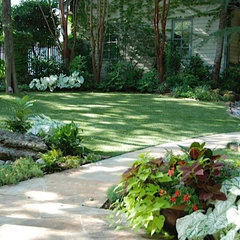 traditional landscape by Original Landscape Concepts Inc