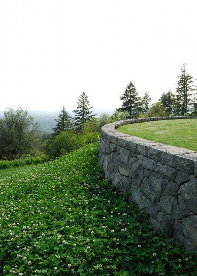 Сад by Samuel H. Williamson Associates