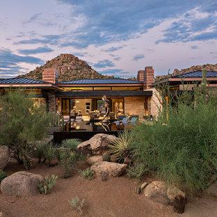 Großer Mediterraner Garten hinter dem Haus in Phoenix