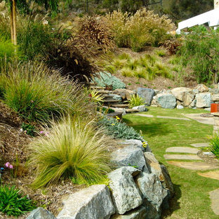 Design ideas for a craftsman retaining wall landscape in San Diego.