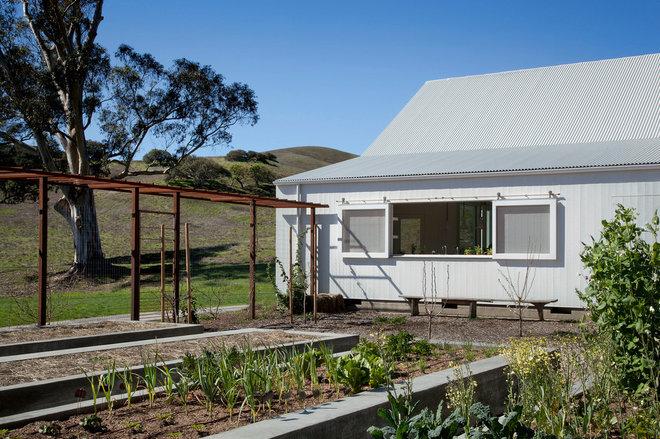 Farmhouse Landscape by Turnbull Griffin Haesloop