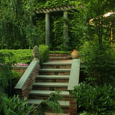 Traditional Landscape by Breeze Architectural Photography & Graphic Design